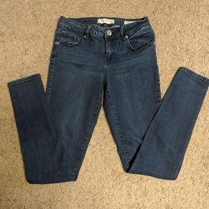 Bullhead skinny jeans 💟